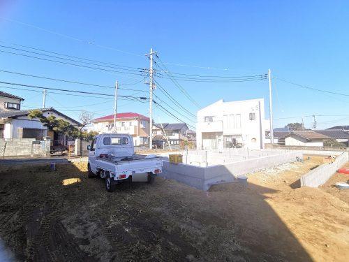 前面道路含む現地写真 南東向き! 日当たり良好です♪